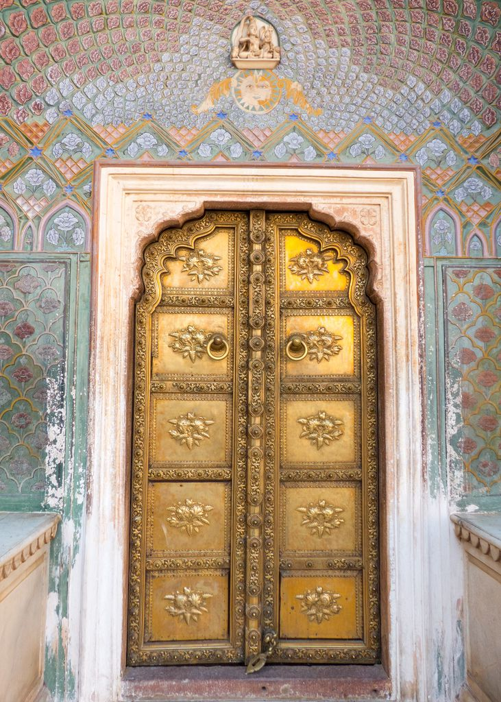 Temple door in gold 2