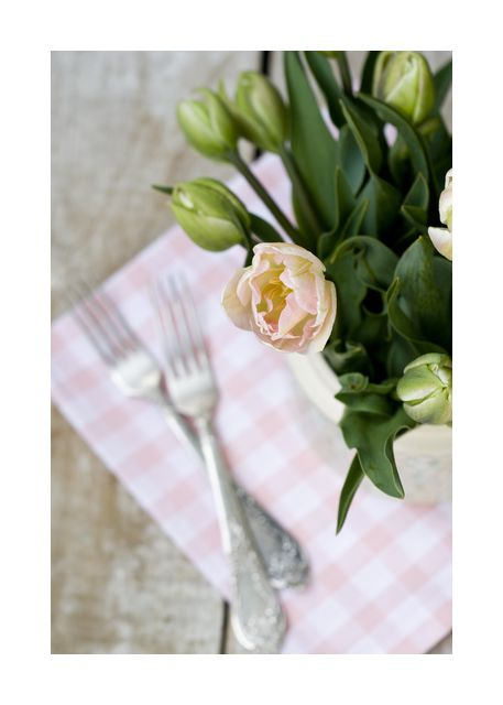 Tulip bouquet with forks