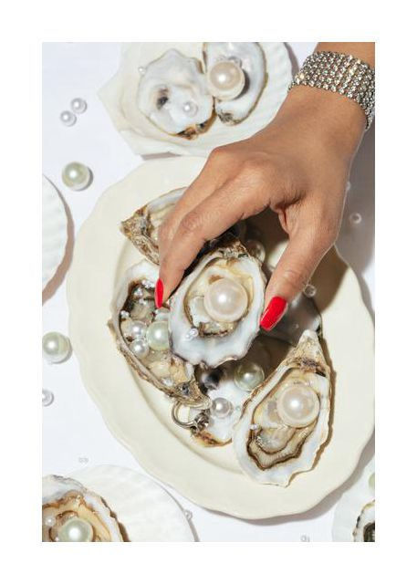 Oysters a Pearls No 02