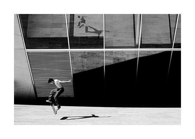 Skate rider