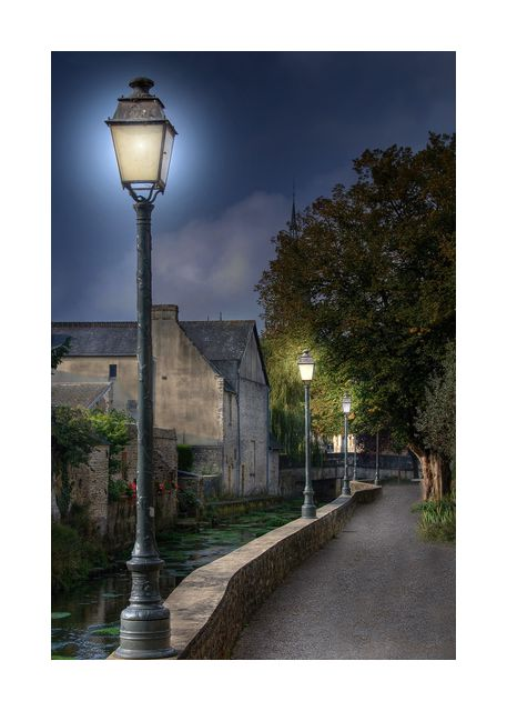 Bayeux by night
