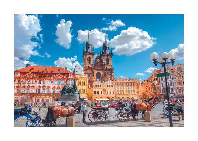 Prague, horizontal